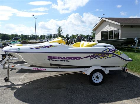boat sales fenton mi fenton new and used boats for sale