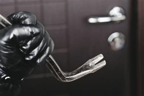 ladri d appartamento furti in appartamento assicuriamoci bene