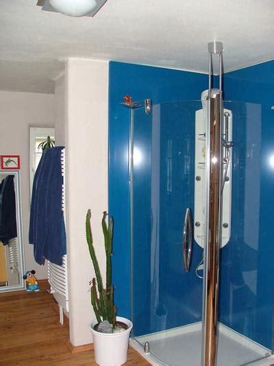 fliesen gipsputz entfernen feuchteregulierender putz auf ziegelwand im badezimmer