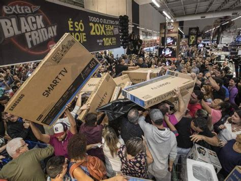 what is best stores on black friday get christmas decrerctions black friday 2017 chaos as crowds of shoppers in brazil scuffle discount tvs the