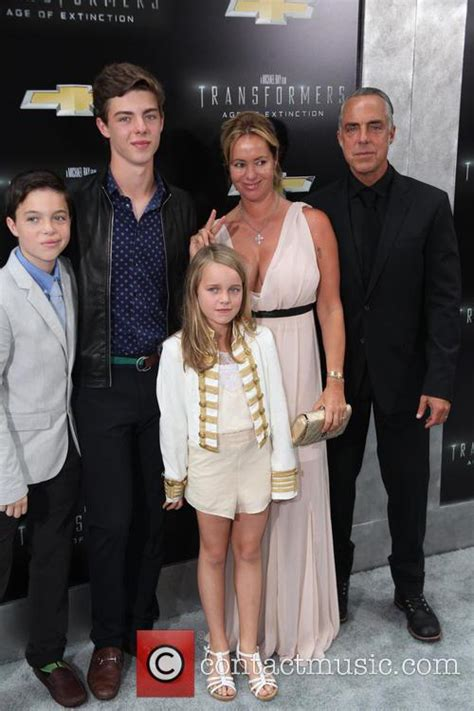 titus welliver family photos titus welliver new york premiere of transformers age