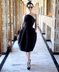 Dress Model Motif Flower Blue Stylish Fashion Impor demi rumer willis and celebrate zac posen s