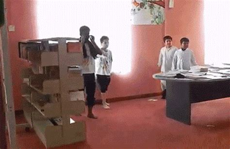 Chair Fail by 25 Gifs Of Falling That Will Make You Laugh
