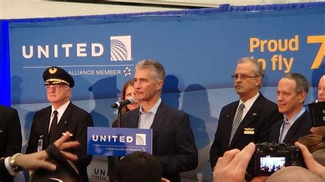 united airlines reviewing hubs management structure ceo united airlines boeing 787 dreamliner inaugural pre