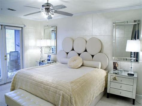 ideas to decorate a small bedroom 22 inspiring small bedroom design and decorating ideas