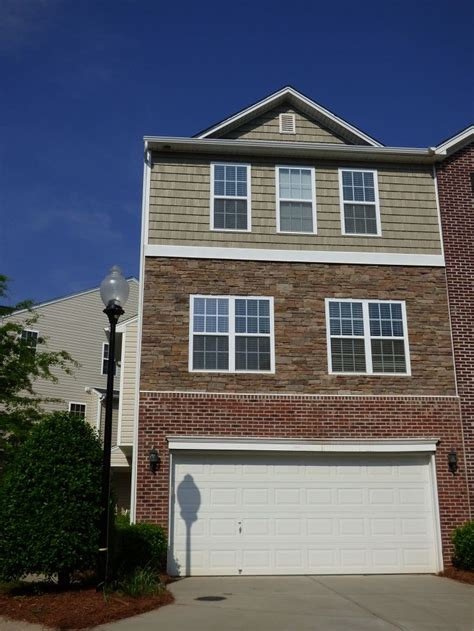 3 Car Garage Ideas two car garage with this large townhome 35 ackland