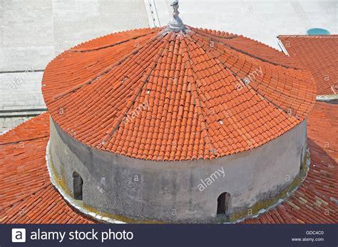 tetto a cupola la centrale tetto circolare supportato su un tamburo