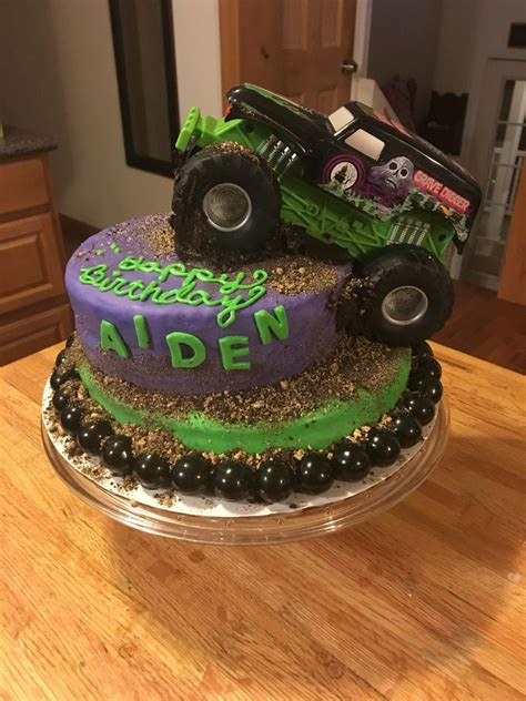digger cake template 1000 ideas about grave digger cake on