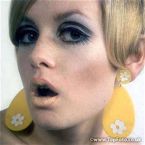 1970s hair and makeup 1970s hair makeup makeup pinterest