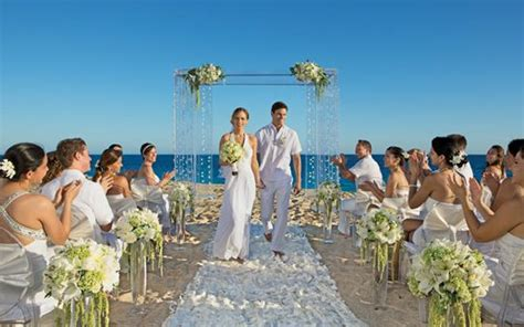 hawaii all inclusive wedding 25 best ideas about wedding packages on