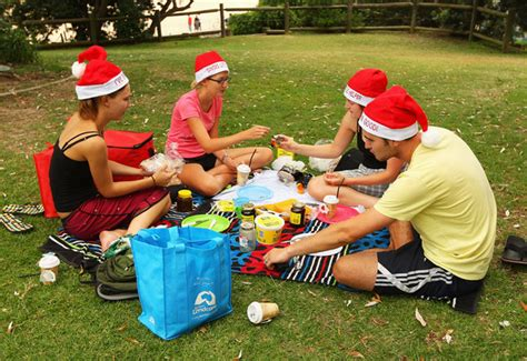 how australians celebrate christmas australia celebrates zimbio