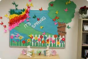 Spring Ideas It S Spring Reading Bulletin Board Display