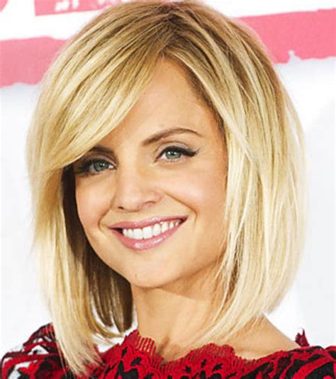la coupe de cheveux photo mena suvari adopte la coupe de cheveux carr 233 plongeant