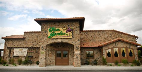 olive garden franchise cost