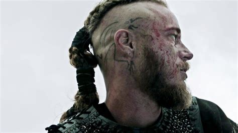 what are ragnar lothbroks head tattoos vikings ragnar tattoo png 720 215 405 vikings pinterest