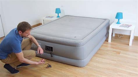 matelas gonflable electrique 2 places matelas gonflable 233 lectrique intex foam top bed fiber tech