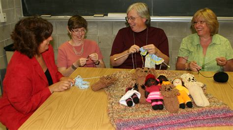 charity knitting groups lunch time knits for charity the brock news