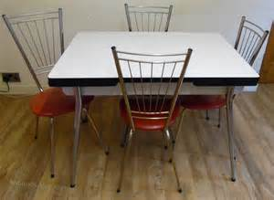 Antiques Atlas   1950's Kitchen Table And Chairs