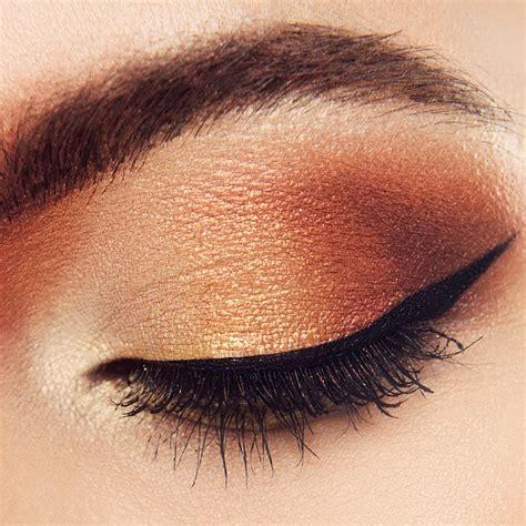 On Eyeshadow 7 Easy Tutorials On How To Apply Eyeshadow Makeup