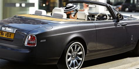 luxury cars rolls royce rolls royce the luxury car which is equivalent to a yacht