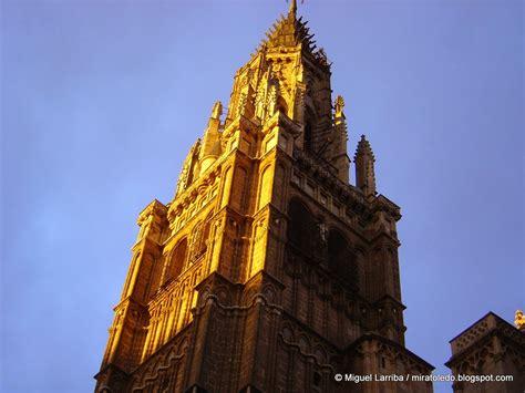 cornisa catedral toledo mira toledo torre de la catedral