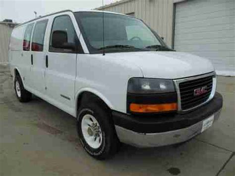 purchase used 2003 gmc savana 3500 cargo van with cab protector bin package in cortland ohio purchase used 2003 gmc savana g3500 pro 1 ton cargo van side entrance local trade very nice in