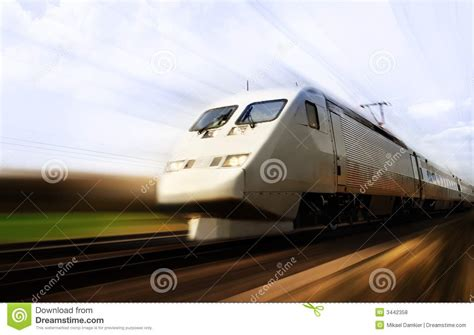 imagenes libres de derchos fast train with motion blur royalty free stock image