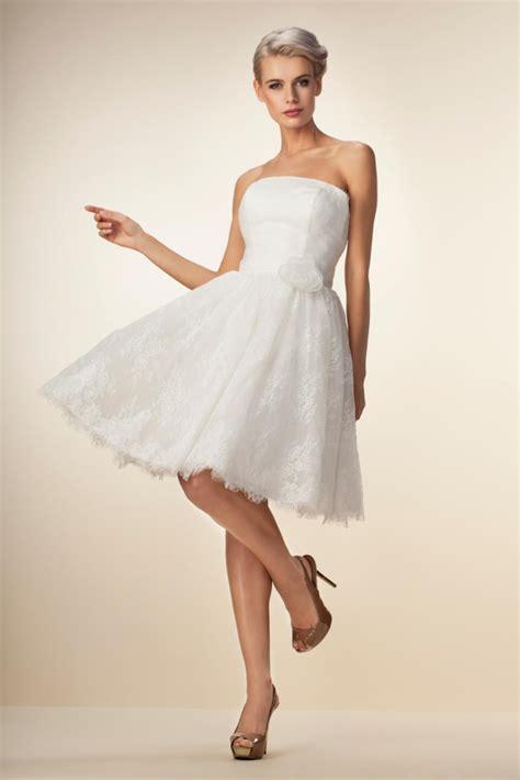 Hochzeitskleid Kurz Spitze by Kurzes Brautkleid Aus Wundersch 246 Ner Spitze Kleiderfreuden