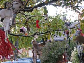 halloween decorations for trees 25 yard halloween decorations ideas magment
