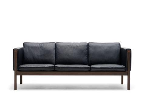 carl sofa buy the carl hansen ch163 three seater sofa at nest co uk