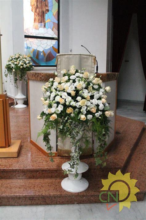 fiori color pesca matrimonio con lisianthus bianchi e avalanche color