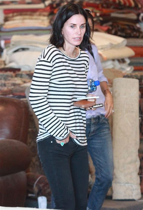latest on courtney cox march 2015 courtney cox out shopping in west hollywood 09 17 2015