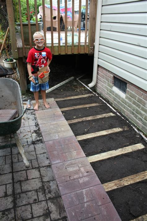 Laying Paver Patio How To Lay A Brick Paver Patio Or Path Sand And Sisal