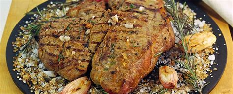 cucinare tagliata tagliata di manzo al gusto affumicato sale pepe