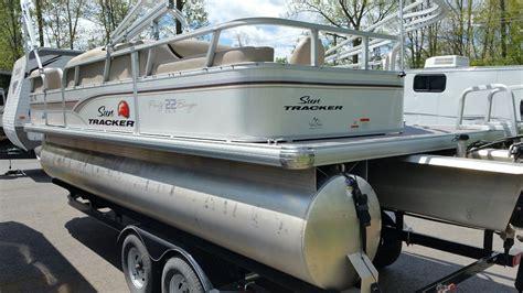 pontoon boat seats sun tracker sun tracker used sun tracker pontoon very good condition