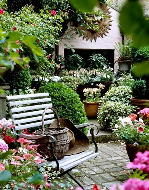 Backyard Decor Ideas 17 Shabby Chic Garden For Feel House Design And Decor