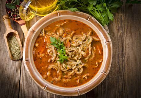 cucinare la trippa al sugo ricetta trippa al sugo la ricetta classica per preparare