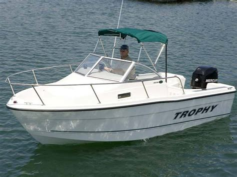trophy boats new research trophy boats 1802 walkaround boat on iboats