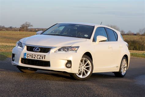 lexus hatchback lexus ct hatchback 2011 photos parkers