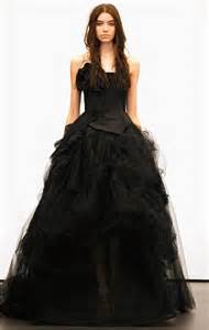 can i wear black to a wedding