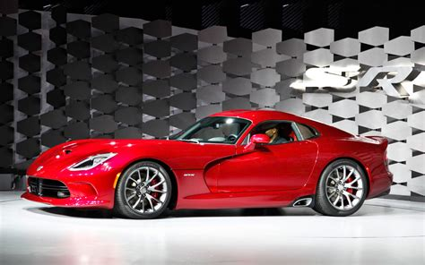 how the 2013 srt viper works howstuffworks 2013 srt viper first look motor trend