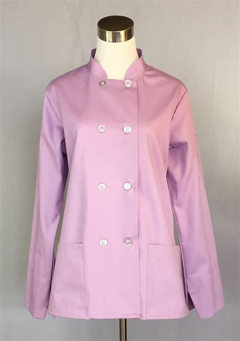 traditional chef traditional chef coat for a line with 2 hip pockets