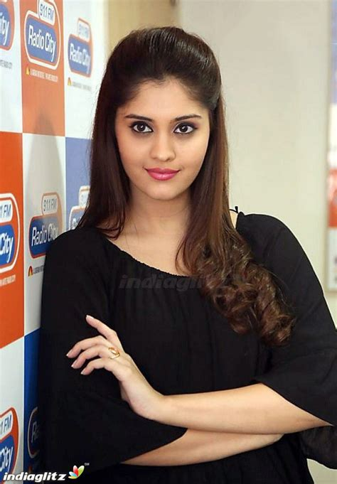 actress surabhi gallery surabhi tamil actress image gallery