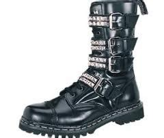 Sepatu Boot Rantai juniornsenior pemakaian