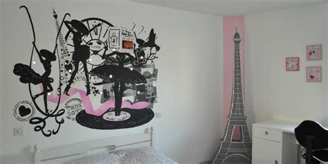 theme deco chambre tagres chambre chambre fille parme et bleu applique