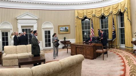 trump s oval office decor trump brings his love for gilded decor to oval office