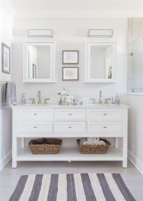 Bathroom Ideas White Vanity by Best 25 White Vanity Bathroom Ideas On White
