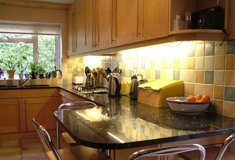 Cupboard Lighting For Kitchens by Cabinet Lighting Options Designwalls