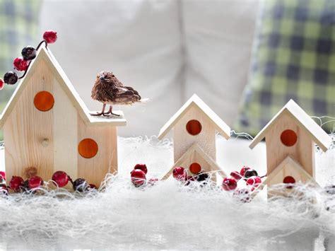 vogelhaus fensterbrett fensterdeko zu weihnachten basteln charmante diy ideen