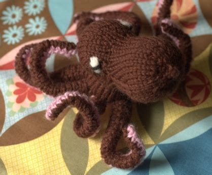 knitting pattern octopus toy kathryn ivy cascade 220 superwash in the land of